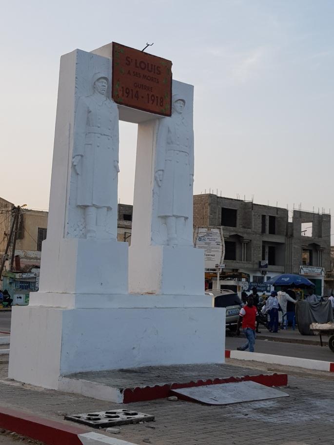SL statue